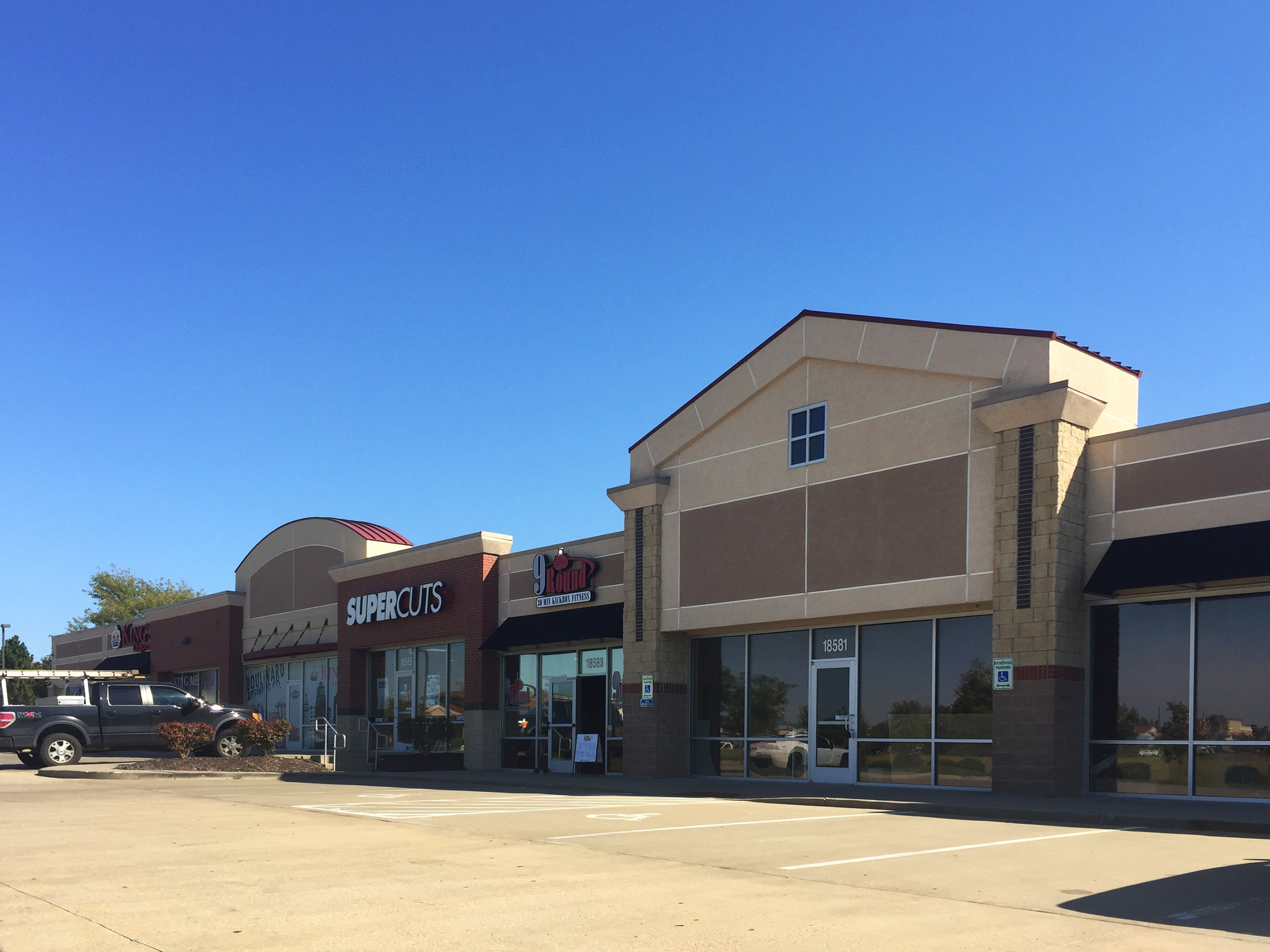 Newmark Grubb Zimmer Negotiates Sale of 16,587 SF Retail Center in Olathe, Kansas