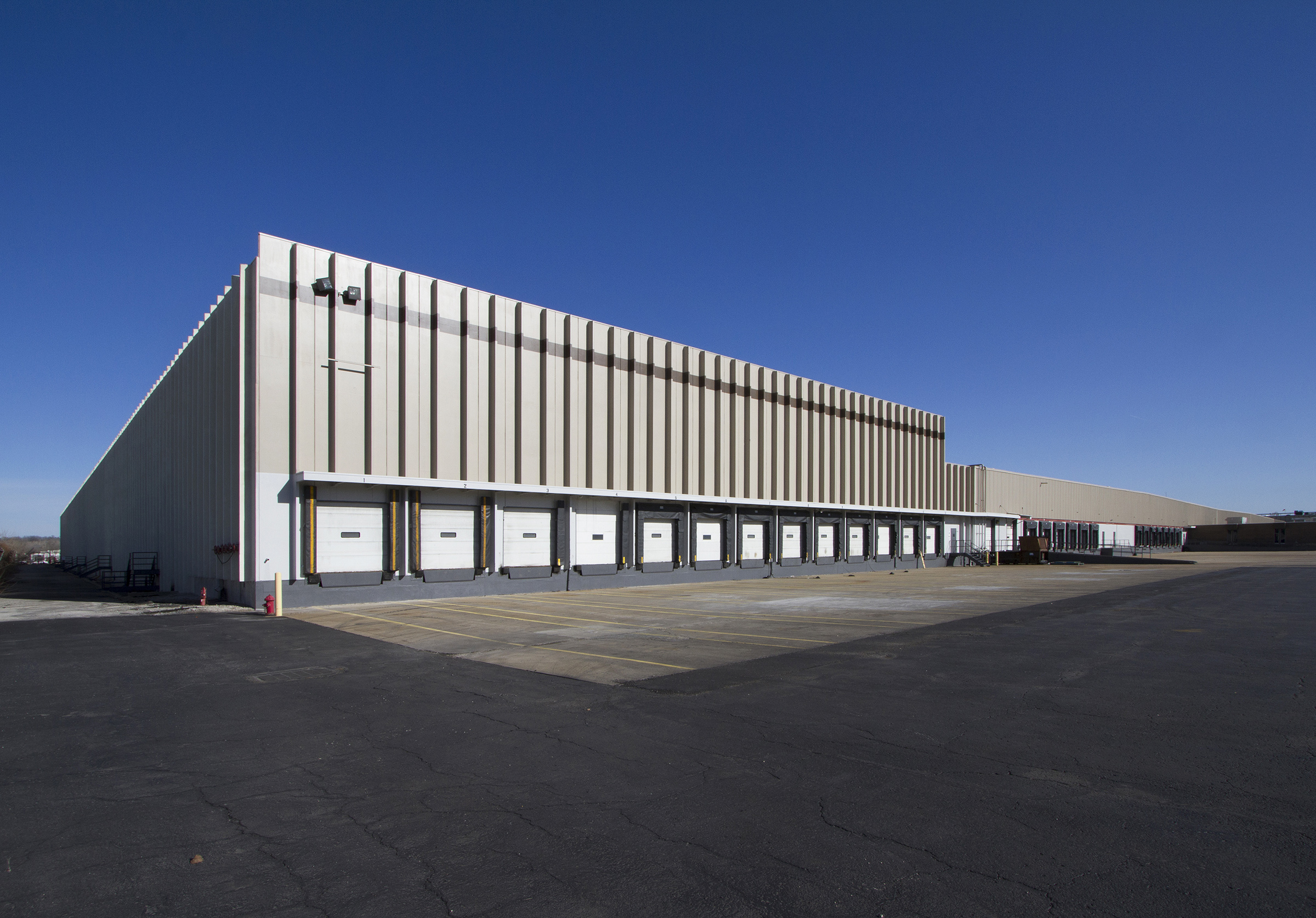 Overstock.com Enters Kansas City, Kansas with 517,000 SF Lease