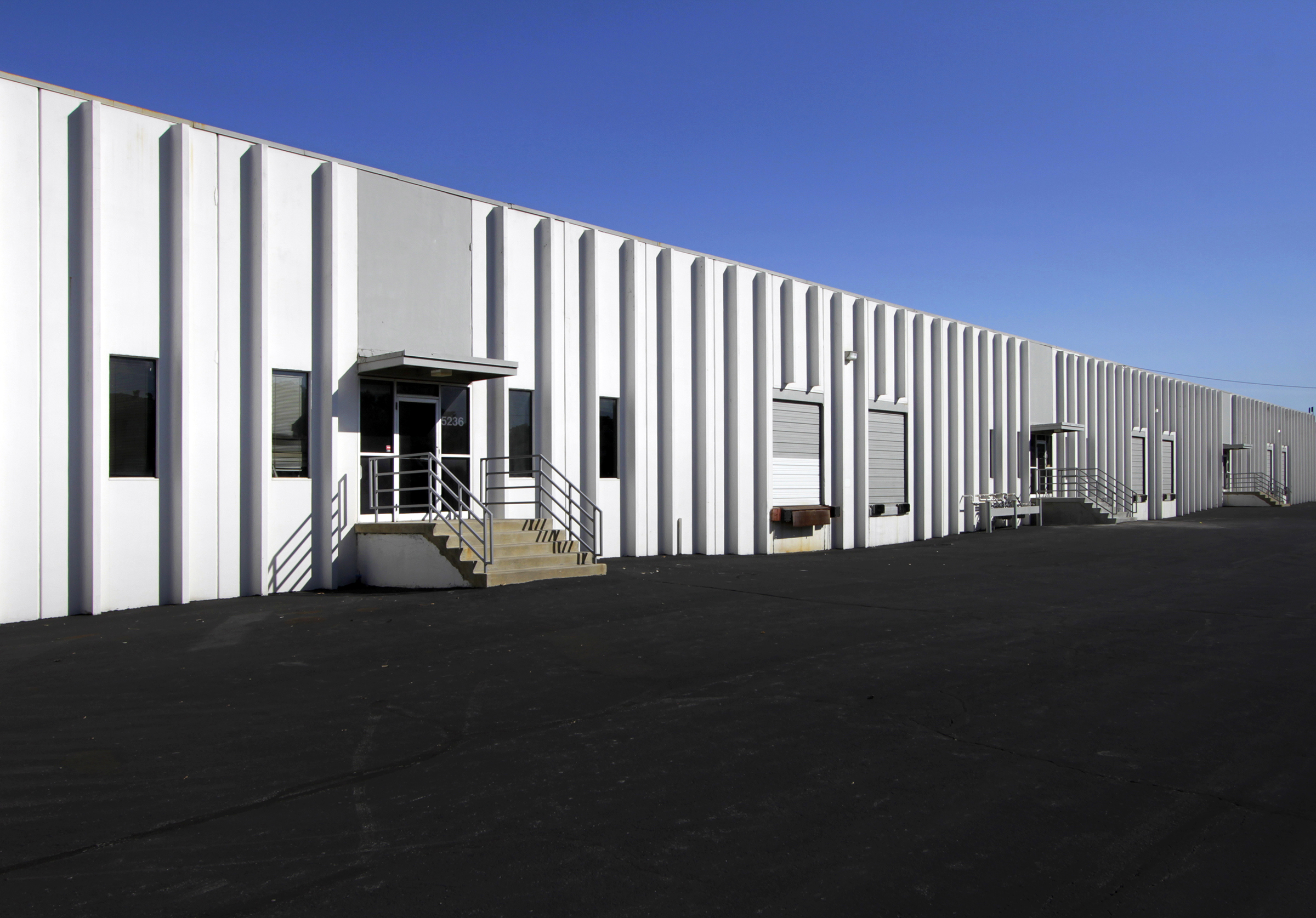 Newmark Grubb Zimmer Brokers Sale of 320,000 sf, Four Building Multi-Tenant Industrial Complex